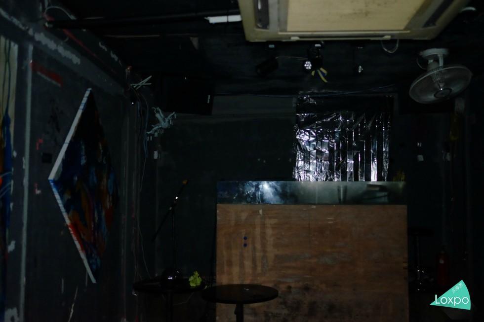 地下舞台.jpg